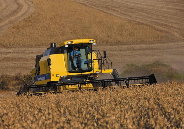 Setor de máquinas e implementos agrícolas deve crescer 40% em 2021, diz Abimaq