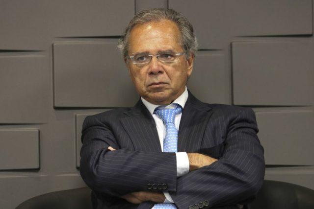RUMOR SOBRE PEDIDO DE DEMISSÃO DE GUEDES NÃO PROCEDE, DIZ GOVERNO.
