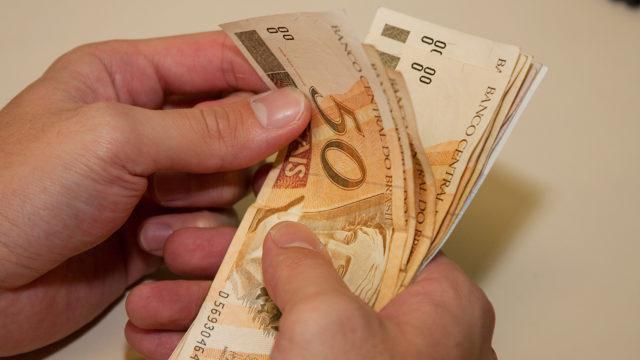 saque aniversário do FGTS na Caixa, auxílio emergencial, renda brasil