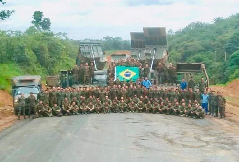 Exército na BR-163