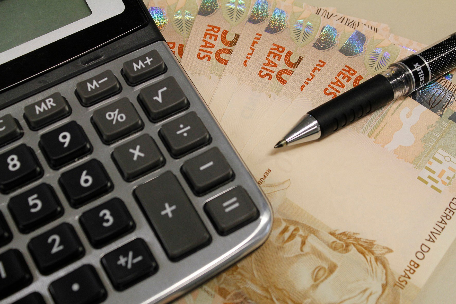 calculando custo, reforma tributária, pib, selic, estados