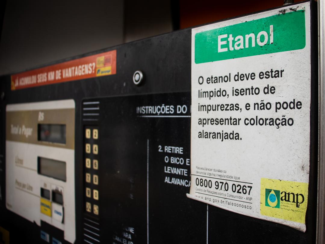 etanol combustível posto