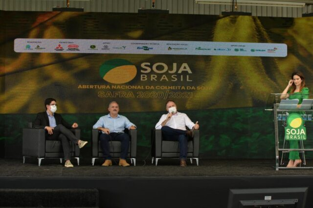Abertura Nacional da Colheita da Soja teve debate sobre venda de terras a estrangeiros