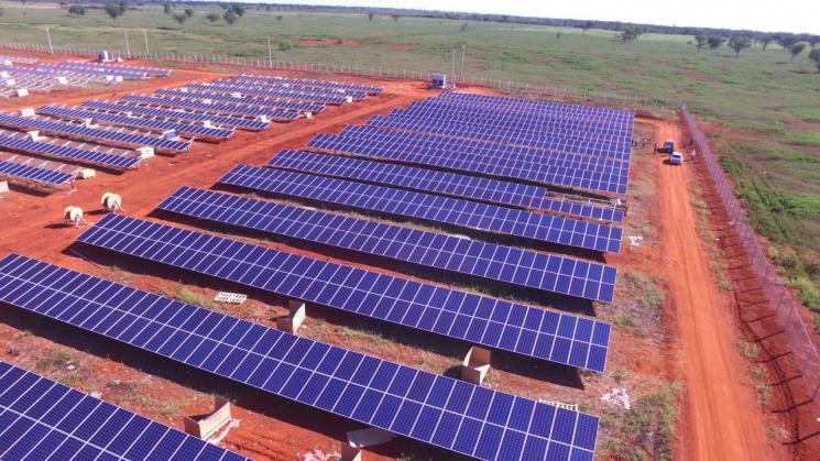 paineis de energia solar em cidade de Minas Gerais