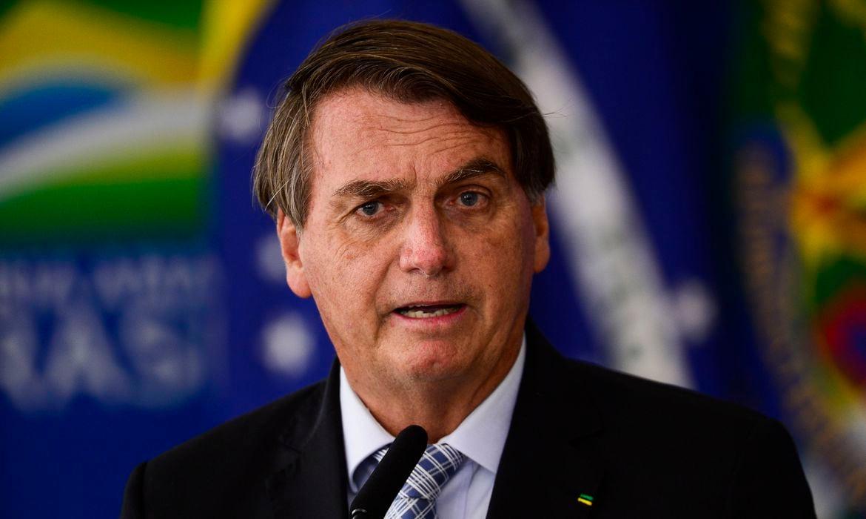 Bolsonaro elogia esforço do agricultor para evitar desabastecimento
