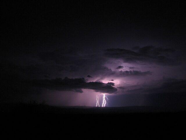 chuva com raios, temporais, previsão do tempo